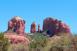 What to Do in Sedona AZ: hike Cathedral Rock Trail