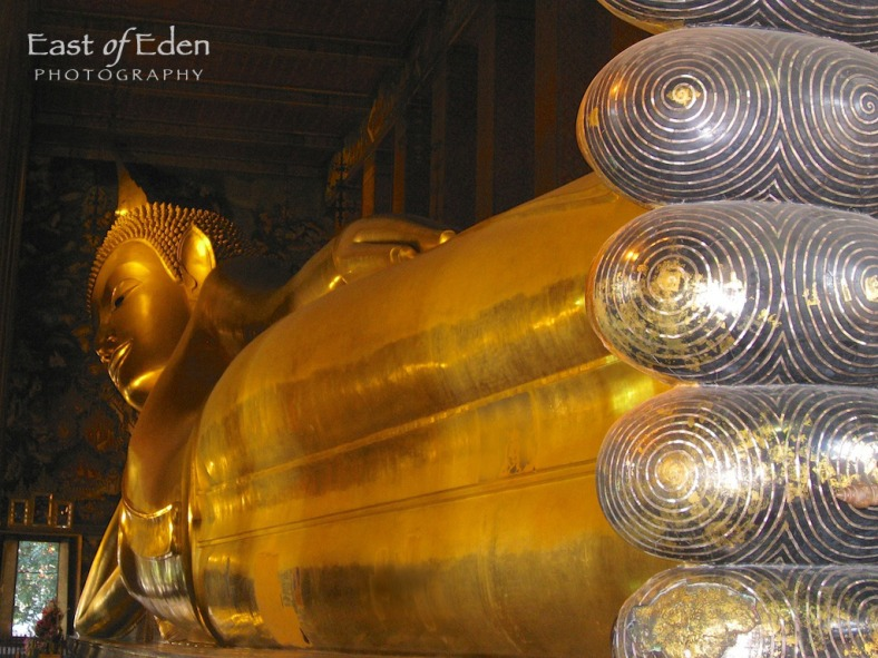 Wat Pho: Temple of Reclining Buddha